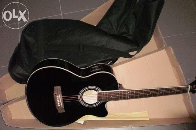 Guitarra madeira cutaway com pickup 4/4 de cor preta