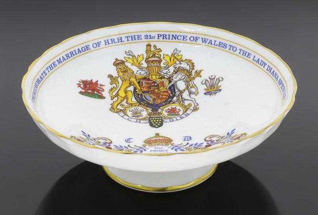 Taça comemorativa do casamento da Princesa Diana