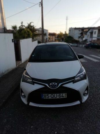 Toyota Yaris Hibrido Square Edition (Raro)