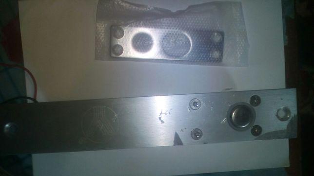 Ригельный замок YB-100+ врезной для системы контроля доступа с таймеро