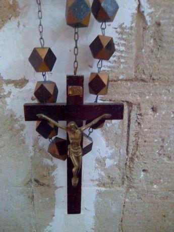 Crucifixo de cabeceira de cama