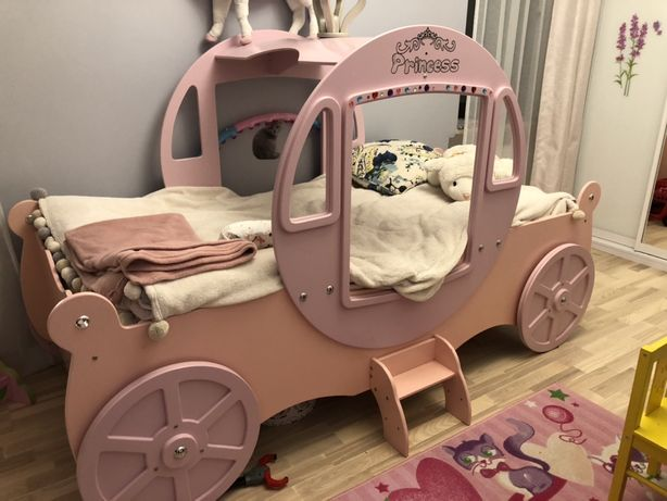 Łóżko kareta dla małej księżniczki
