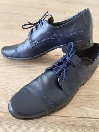 Pantofle chłopięcece 36