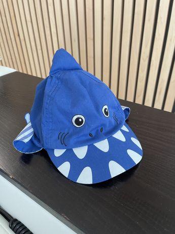Кепка с отворотом mothercare акула! Идеальное состояние.