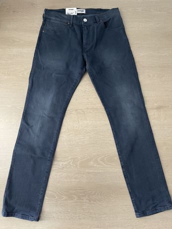 Nowe spodnie jeansy męskie Wrangler Larston 32x30 XL