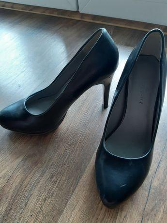 Czarne buty szpilki rozmiar 37