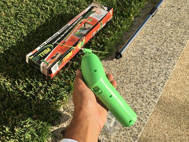 Mini aparador / roçador relva portátil a pilhas