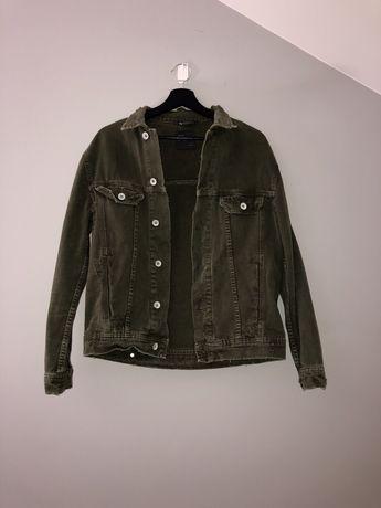 Jeansowa kurtka Zara khaki z dziurami na jesień