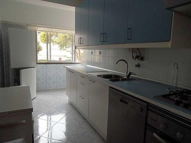 Apartamento T2 (aluguer) PAREDE