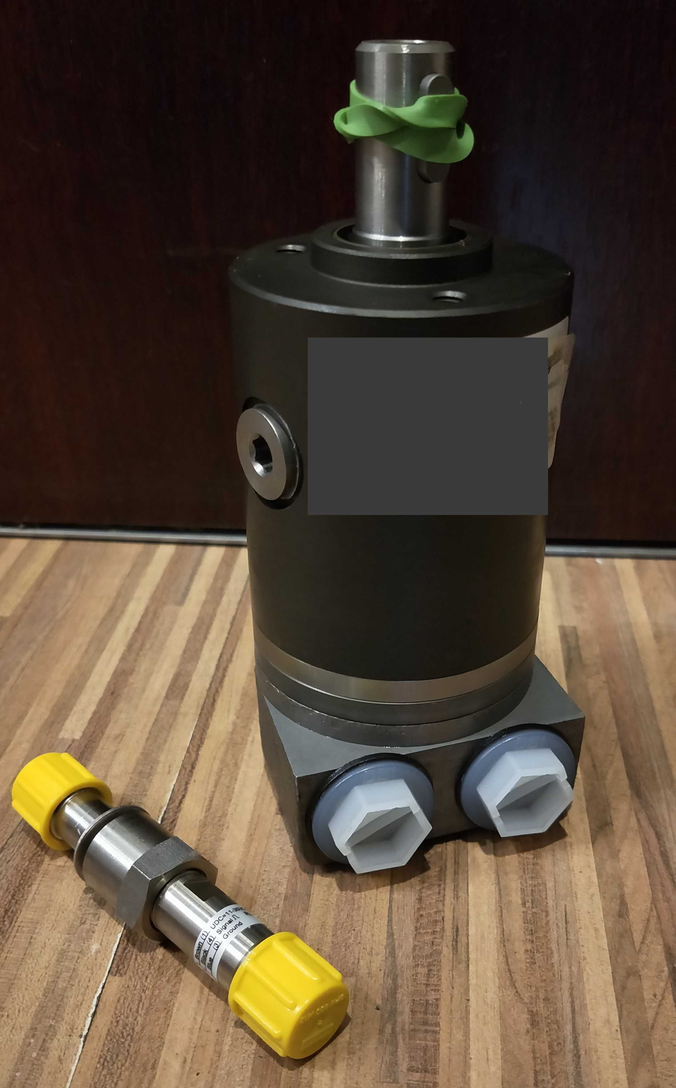 Silnik hydrauliczny solarko piaskarki econ z czujnikiem prędkości