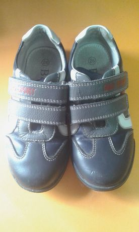 Продам дитячі туфлі фірми B&G
