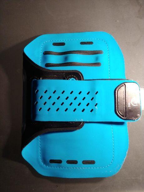 Niebieska opaska do biegania na telefon słuchawki klucze