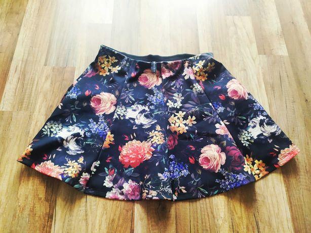 Spódnica w kwiaty Stradivarius rozmiar M