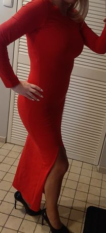 Śliczna czerwona sukienka długa z rozporkiem 36