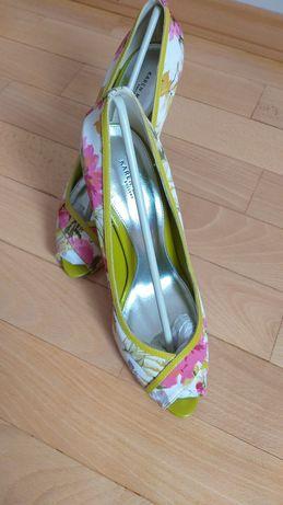 Продаётся обувь, туфли Karen Millen