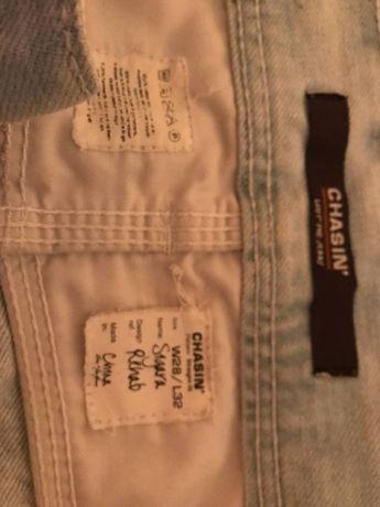 Продам джинсы Chasin.