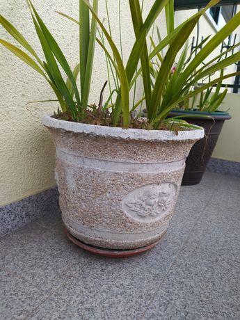Varios Vasos em pedra
