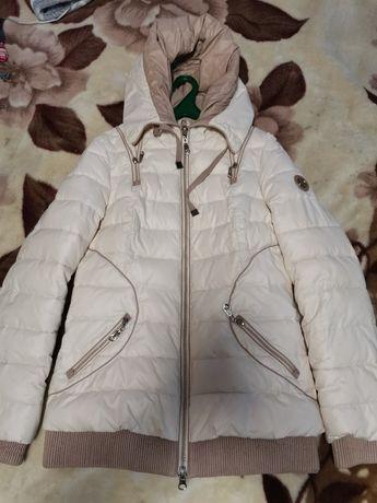 Продам курточку зимнюю.