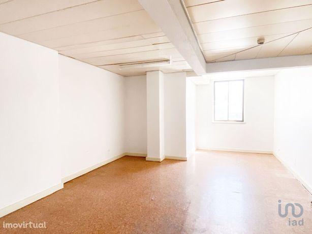 Loja - 16 m²