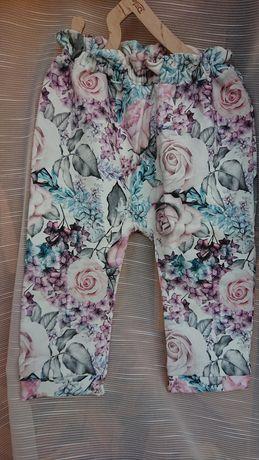 Handmade 80/86 nowe spodnie dresowe baggy kwiaty róże rośliny kremowe