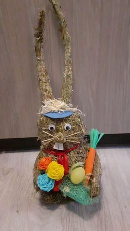 Zajac z siana zajączek wielkanocny wiosenny