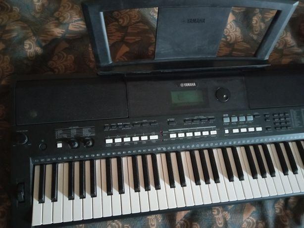 Yamaha PSR 433 синтезатор