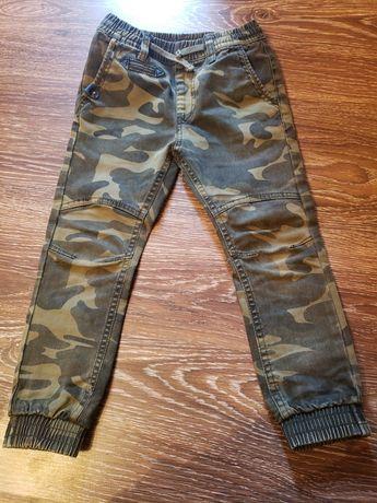 Камуфляжни штани
