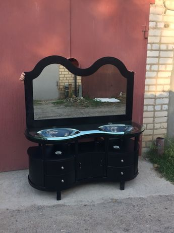 Раковина двойная (стекло, дерево) и зеркало