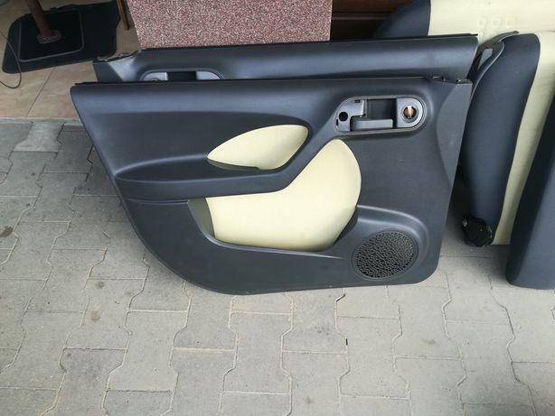 Fiat Panda fotele pasy.