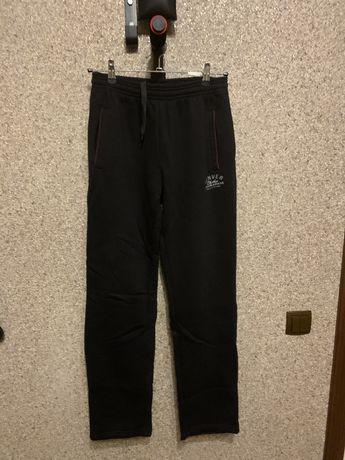 Тёплые спортивные штаны на мальчика подростка 44-46р.