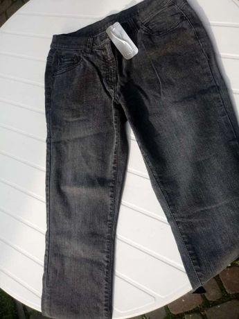 Nowe czarne dżinsy w rozmiarze 38