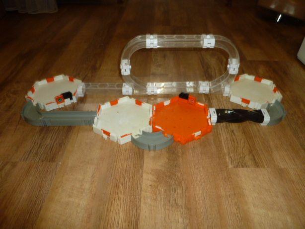 Нано-робот HexBug Nano Micro Robotic, вариант 2 трек для нано-жучков ,