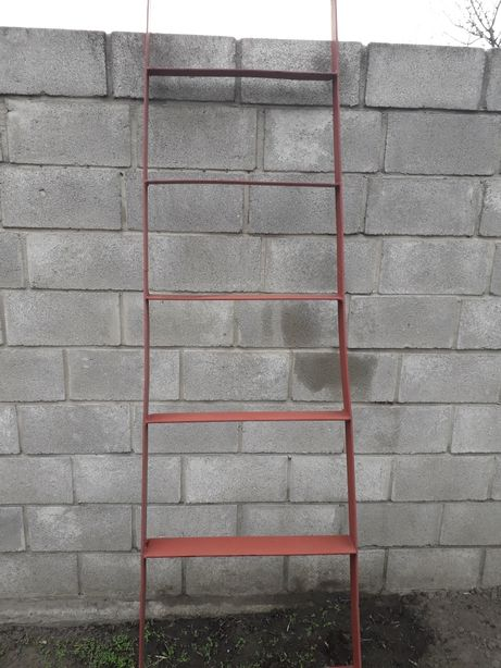 Лестница металическая 2,5 м