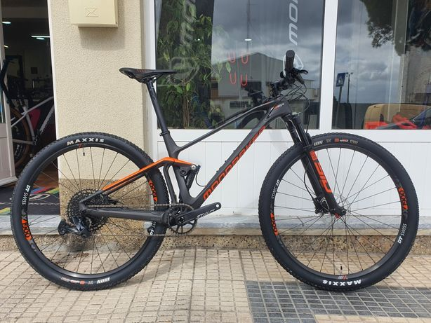 Bicicleta Mondraker F-Podium 2021