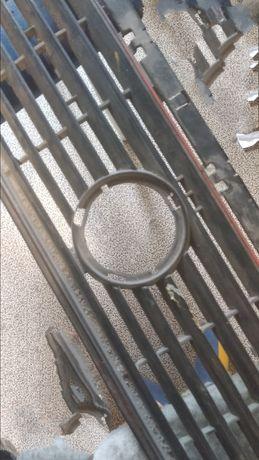 Решетка радиатора , обшивка люка volkswagen Golf2