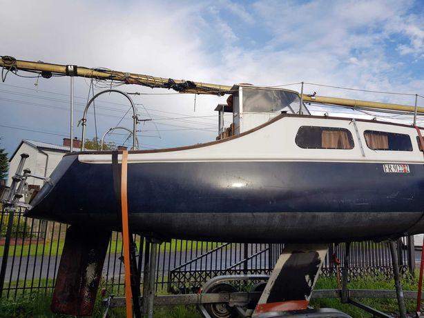 Łódź żaglowa - jacht załogowy Listing 750