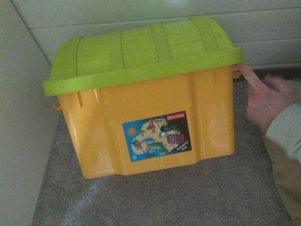 Skrzynia pirata skarbów plastikowa na zabawki z pokrywą duża