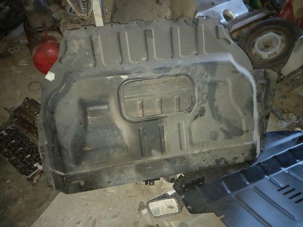 Продам перегородку для форд конект длинная база 2004г.