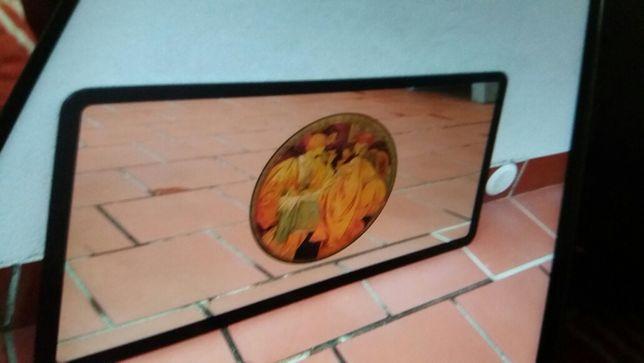 Espelho com gravuras