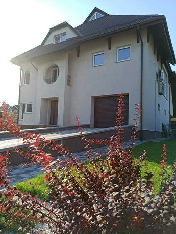 Шикарный дом со стильным ремонтом  в закрытом КГ