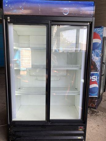Продам двухдверный холодильный шкаф.Холодильник под воду,пиво,соки ю.