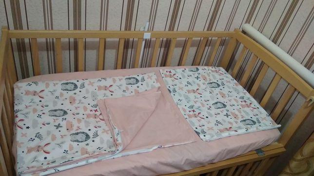 Комплект сменного постельного белья, простынь на резинке!