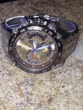 Продам новые часы Weide