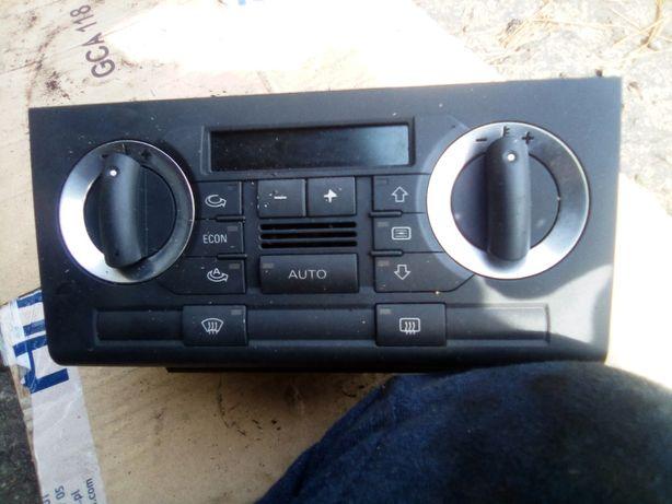 Panel klimatyzacji Audi A3 8P 2004rok 2.0 AXW 150KM ANGLIK