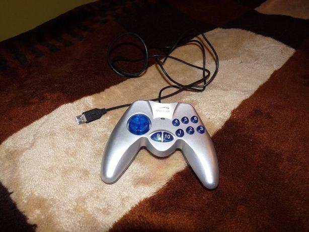 Gamepad hornet USB firmy Logitech