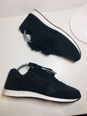 Черные кроссовки 35 36 размер женские фирменные кеды мокасины