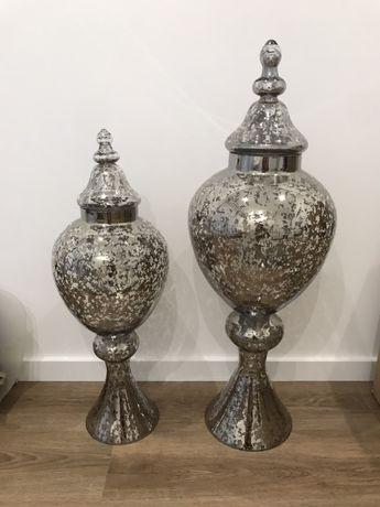Dois potes/ jarrões