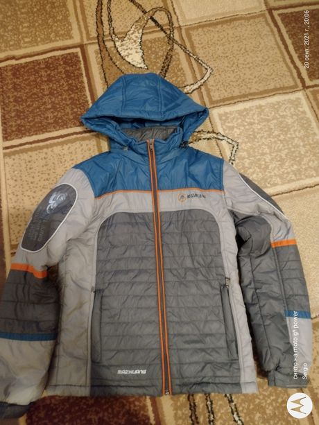 Куртка демисезонная на мальчика 10-12 лет