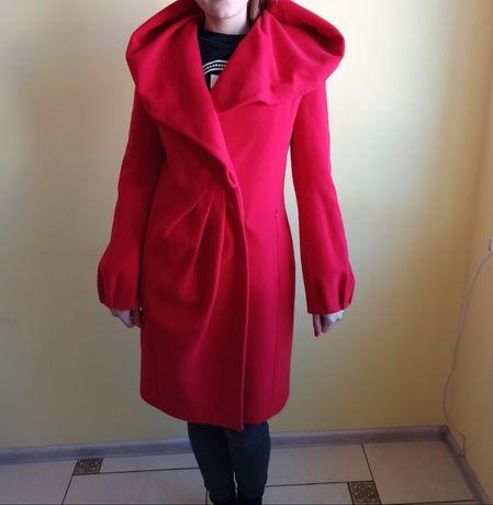 Кашемірове пальто з капюшоном