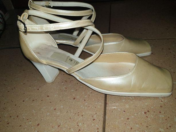 Pantofle na obcasie rozmiar 40 - kolor beżowo-perłowy